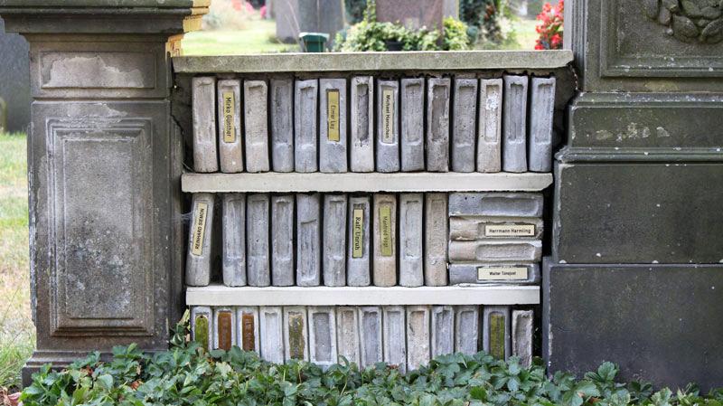 Ausschnitt Grab für Wohnungslose