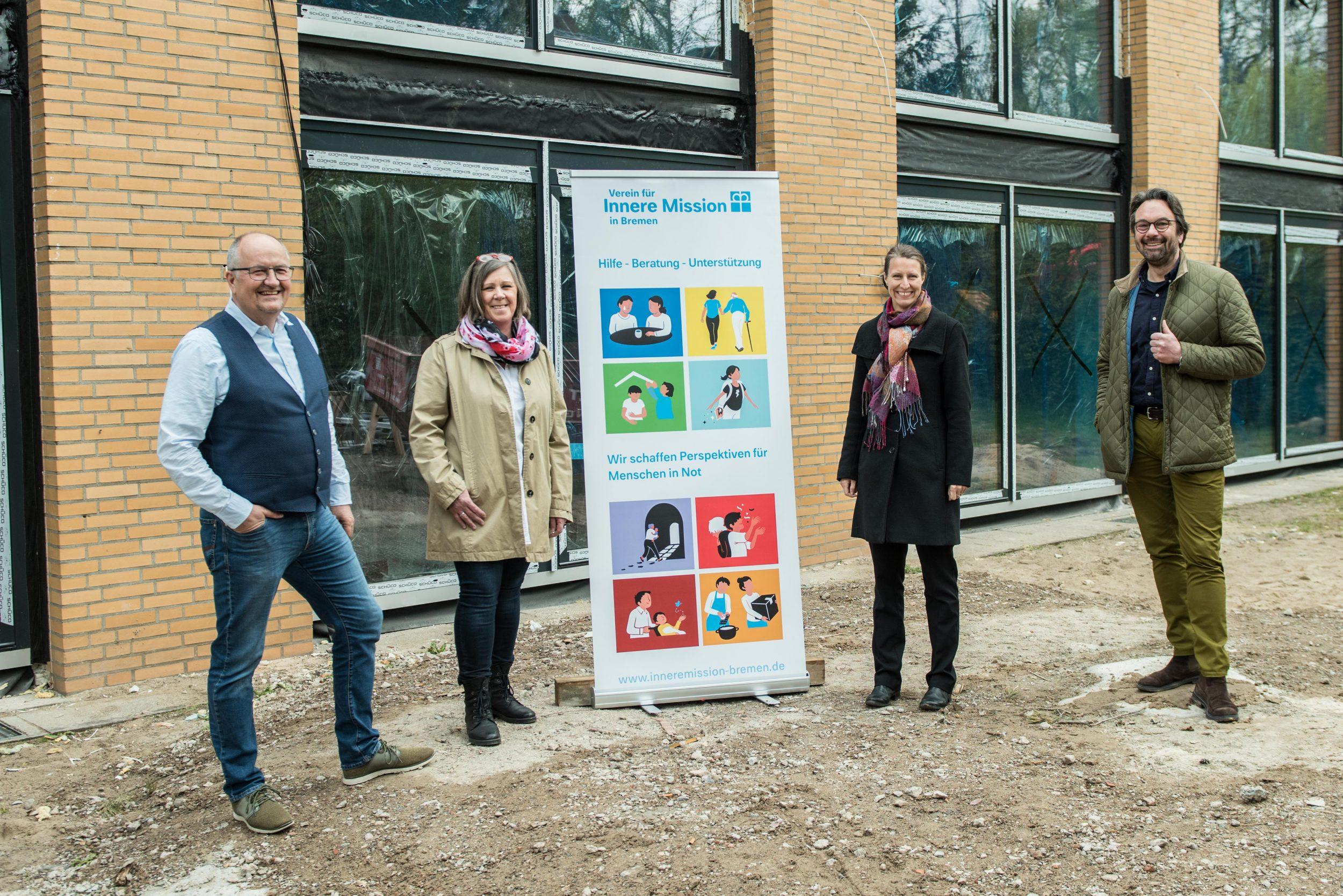 Rolf Klauner, Irene Müller, Pastorin Saskia Schultheis und Habbo Stark